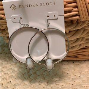 KENDRA SCOTT ELORA SILVER EARRINGS WHITE PEARL NEW
